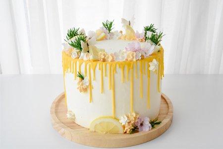 Sommerliche Zitronen Torte