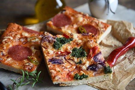 Dinkel-Pizza nach italienischer Art