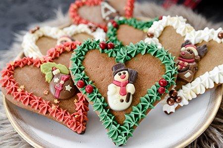 Weihnachtliche Lebkuchenherzen