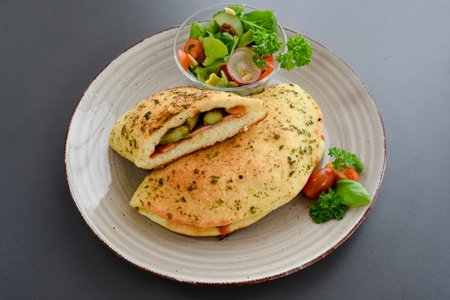 Spargel Calzone